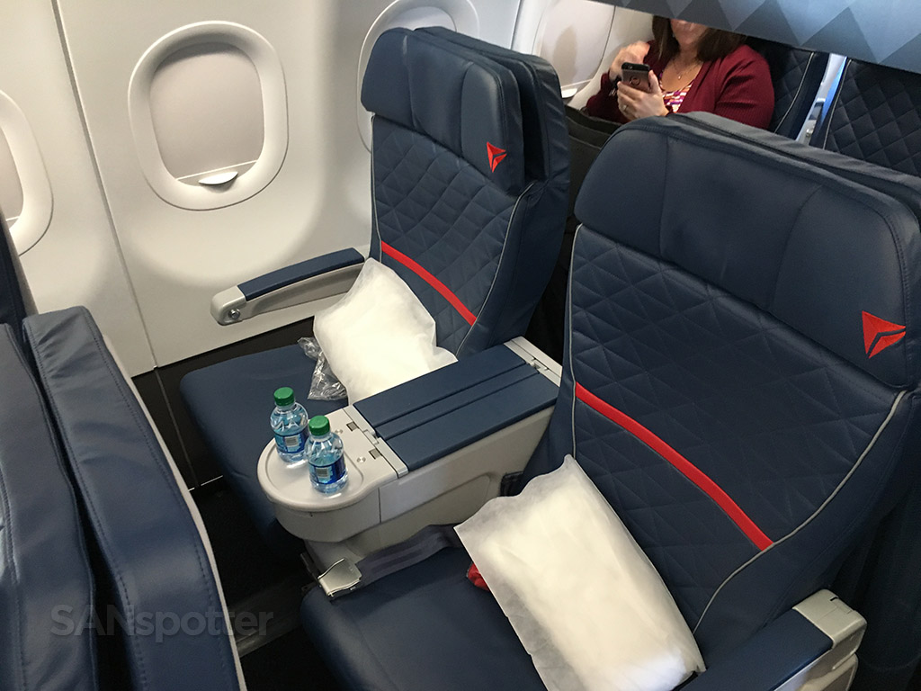United Airlines First Class 767 Delta Airlines A321 fi...