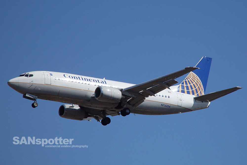 Continental Airlines 737-300