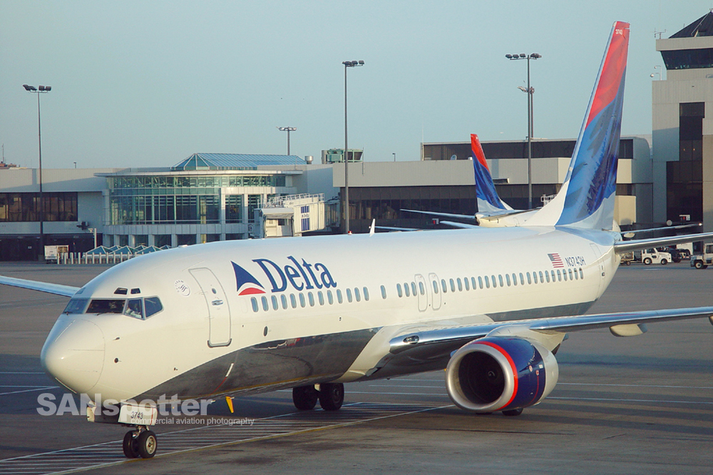 Delta Airlines 737-800