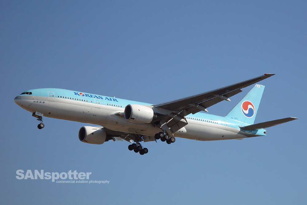 Korean Air 777-200