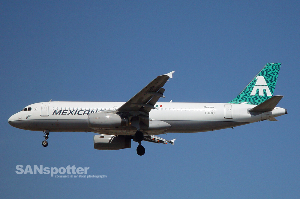Mexicana Airlines A320