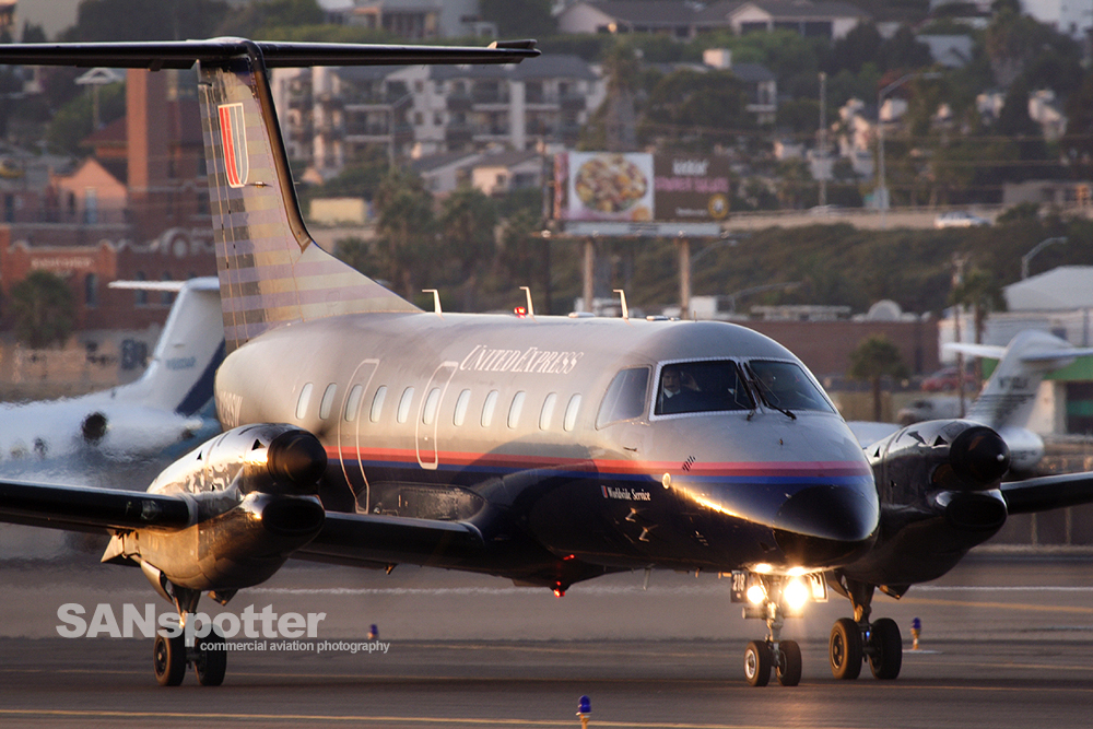 United Express EMB-120
