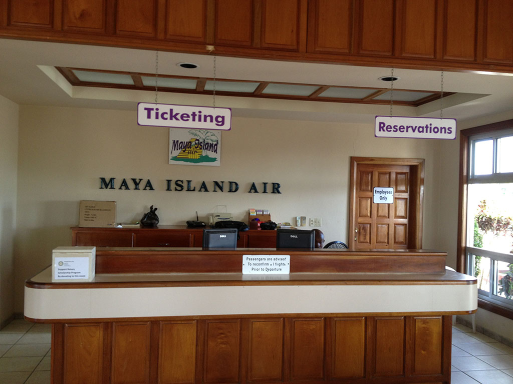 Maya Island Air check in desk