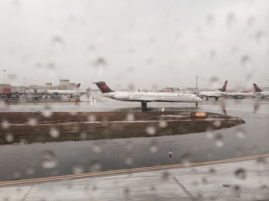 rainy day at Atlanta Hartsfield Jackson international airport