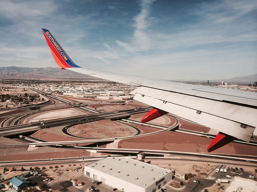 moments before touchdown at LAS