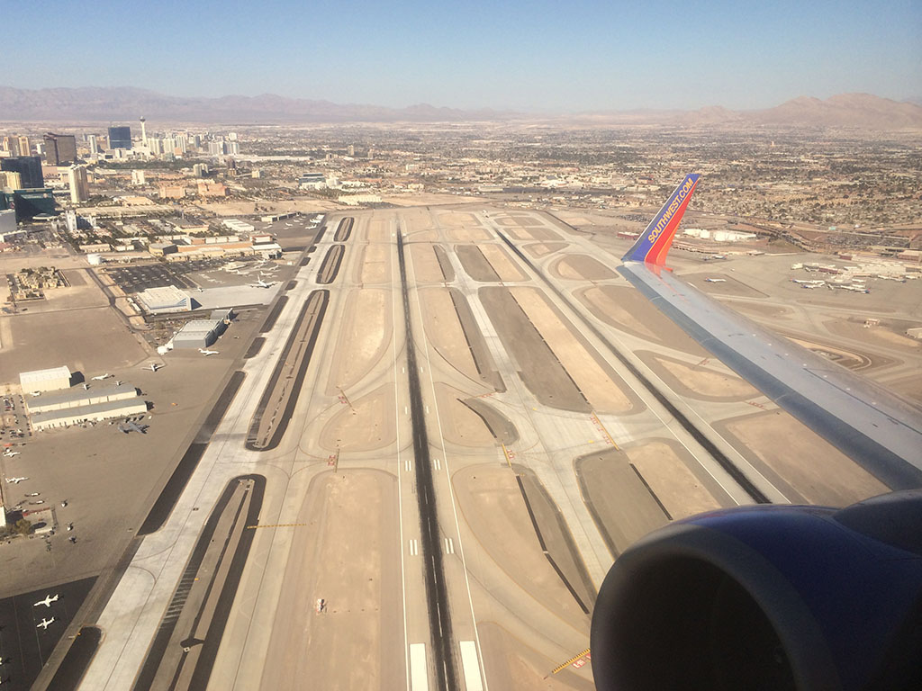 runway 19r and 19l at las