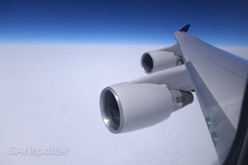 747-400 wing view