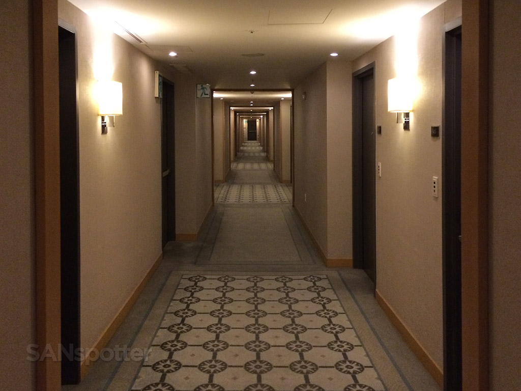 hyatt incheon hallway