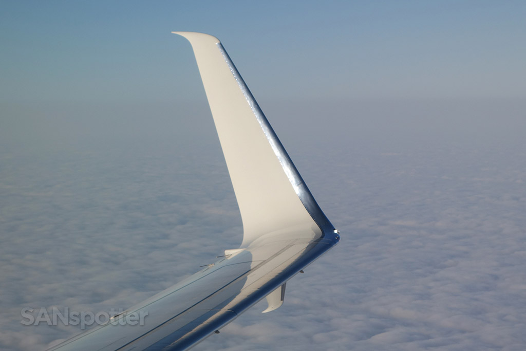 split scimitar winglet Alaska Airlines 737-800