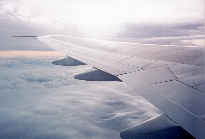 klm 747-300 wing view