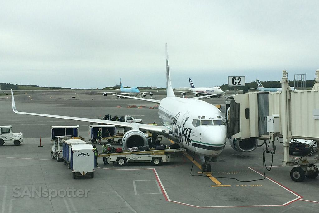 alaska 737-700 at ANC