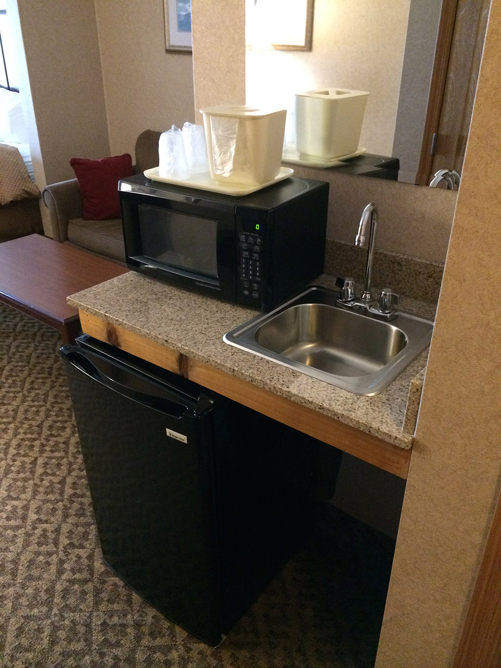 Sink, refrigerator, and microwave