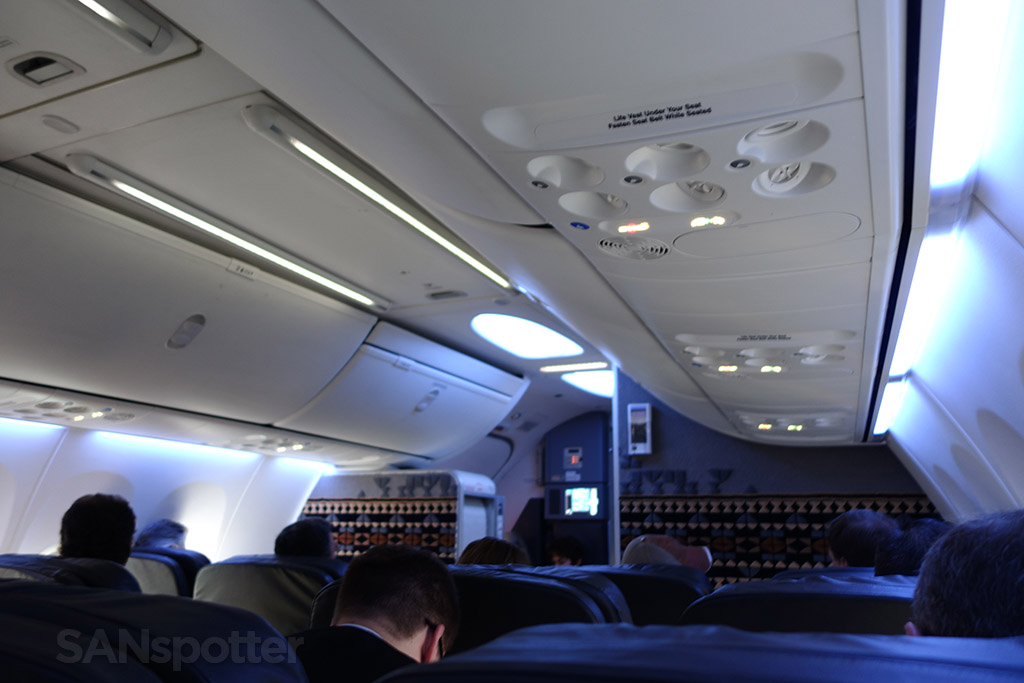 Alaska Airlines 737-900 first class cabin