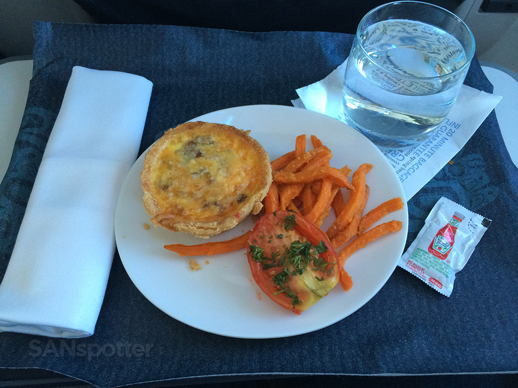 breakfast in first class on alaska airlines