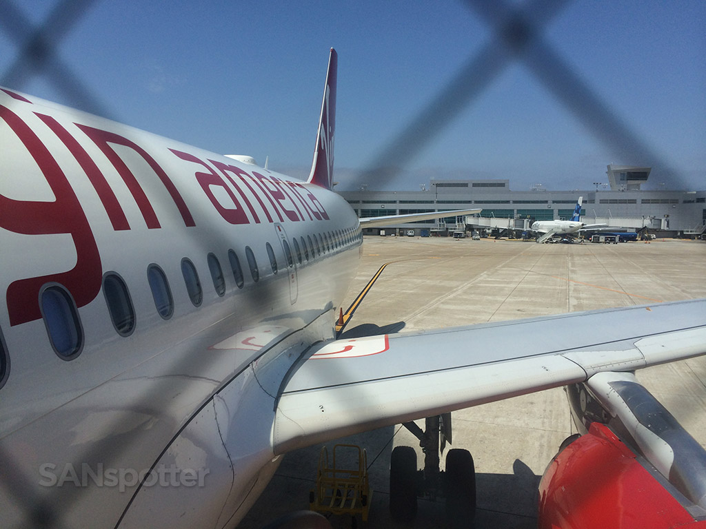 boarding virgin america A319
