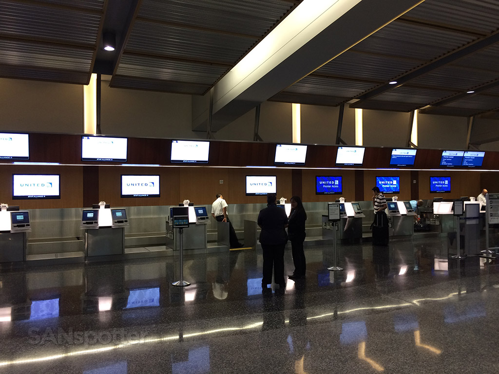 United Airlines check in counters with kiosks