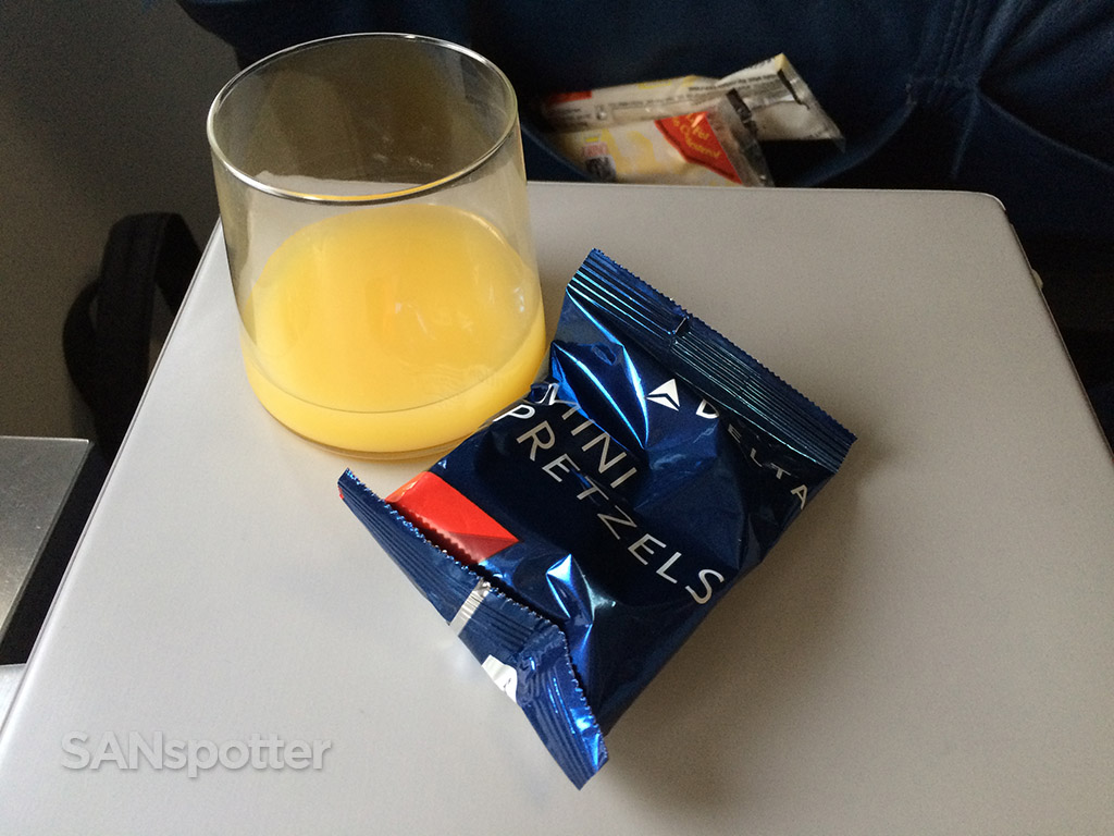 first class drinks and snacks