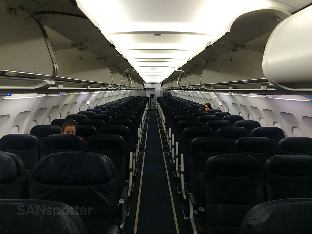 spirit airlines a319 empty cabin