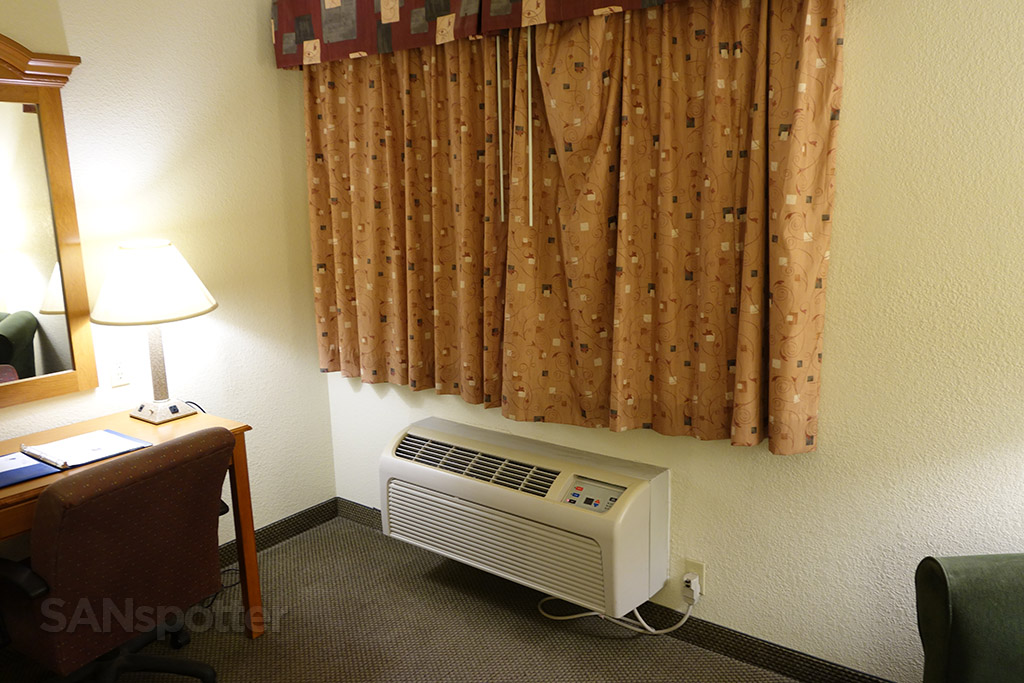small window comfort inn and suites deming new mexico