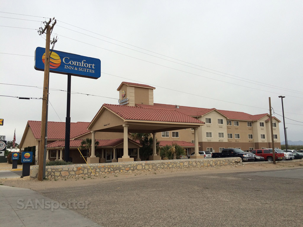exterior of the comfort inn in deming new mexico