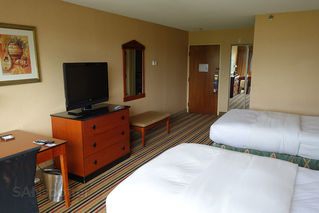 bright room hilton knoxville airport