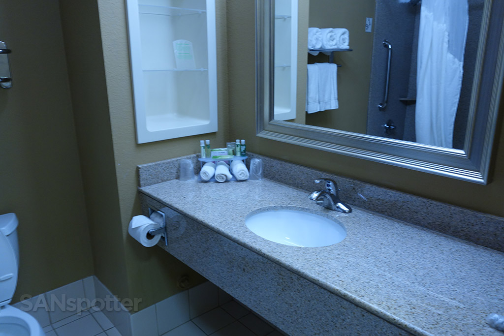 bathroom holiday inn express amarillo