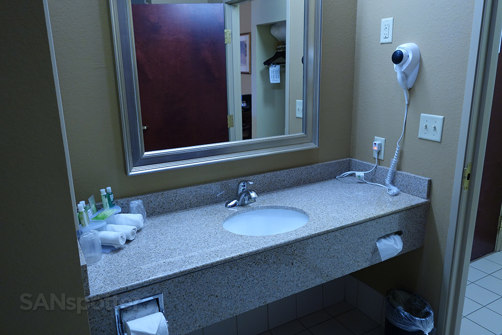 holiday inn express bathroom vanity