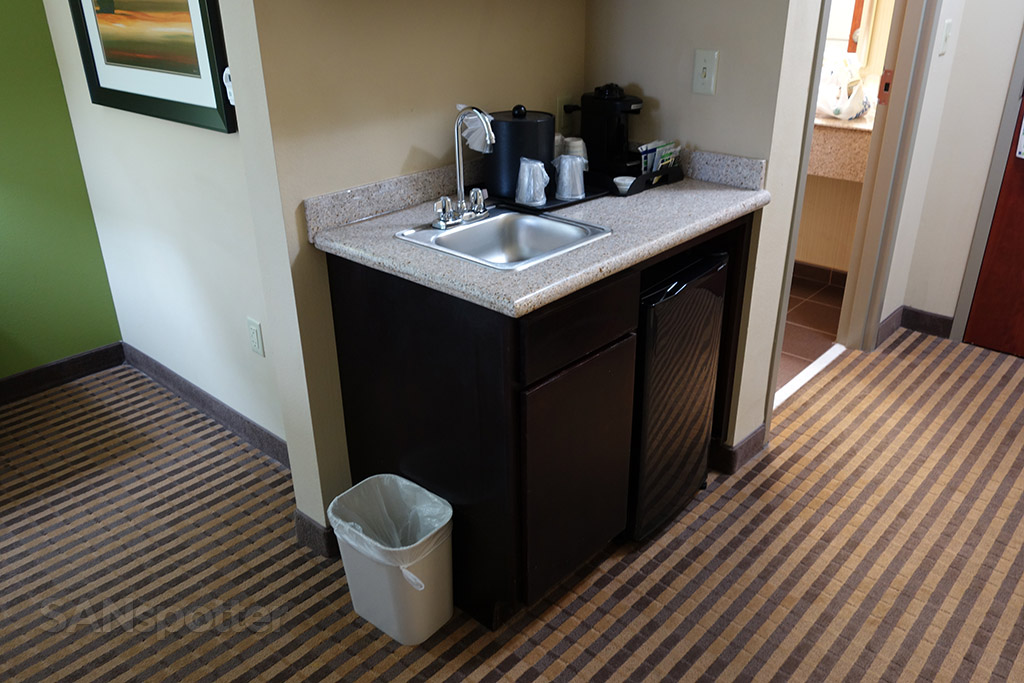 mini kitchenette holiday inn express
