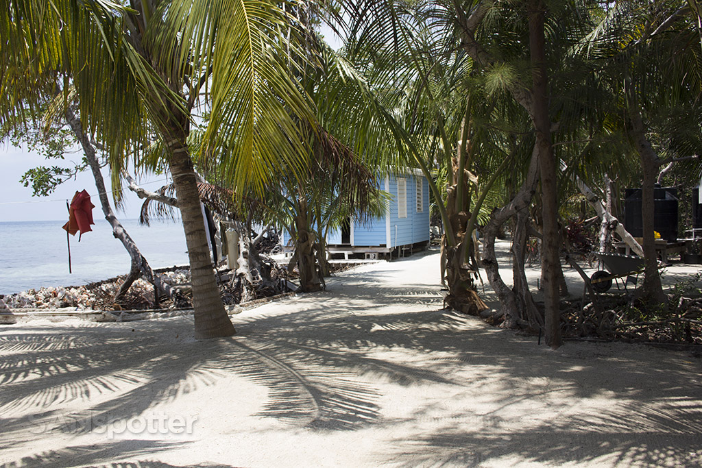 relaxing private island belize