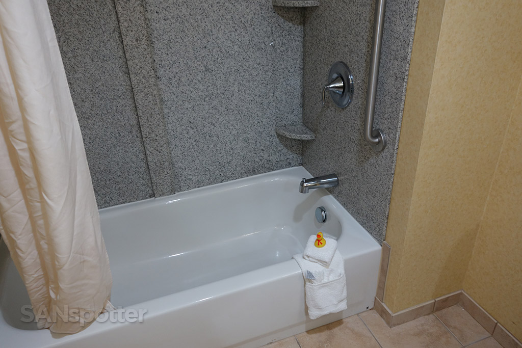 shower comfort inn suites