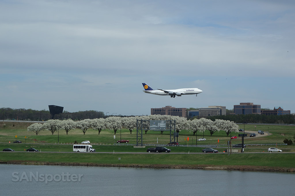 plane spotting marriott hotel dulles airport