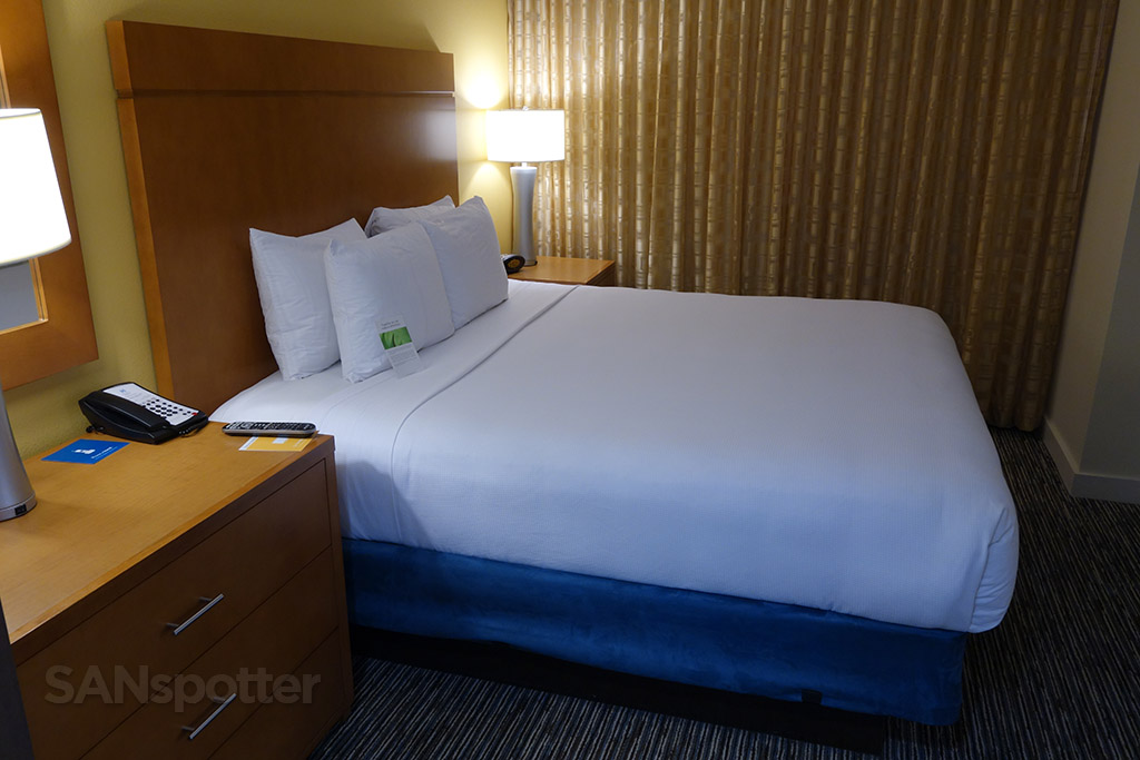 hyatt house bed
