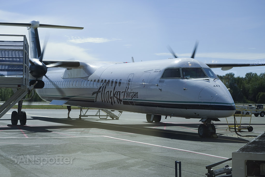 Horizon Air Q400 bellingham