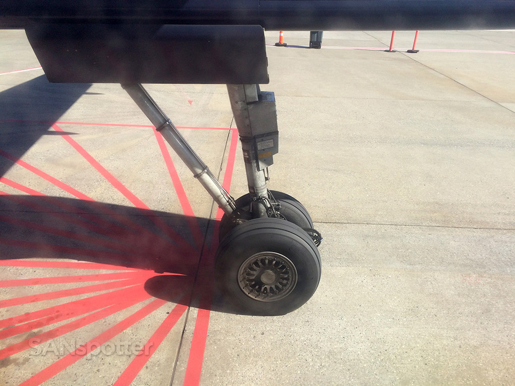 main landing gear bombardier q400