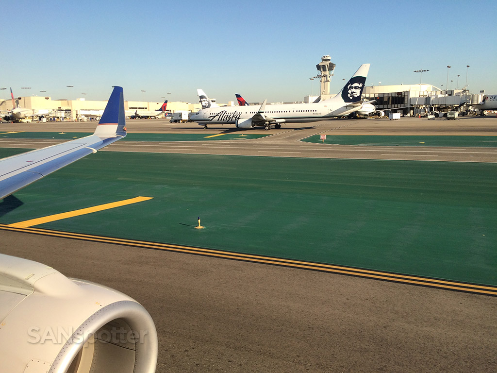 taxiing lax airport