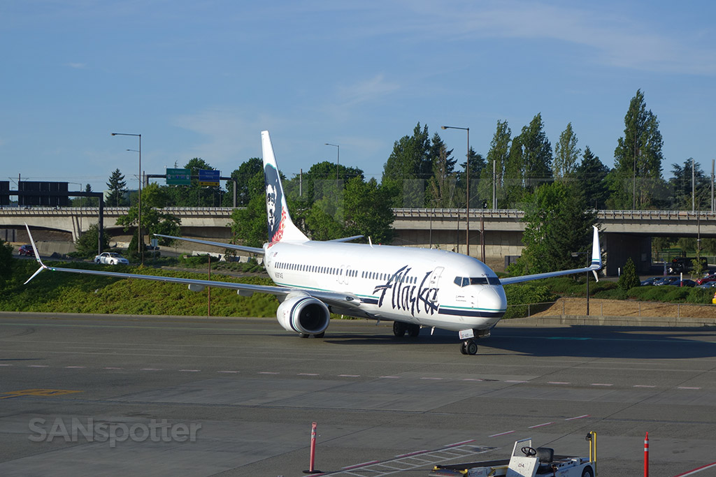 alaska airlines 737-800 seattle