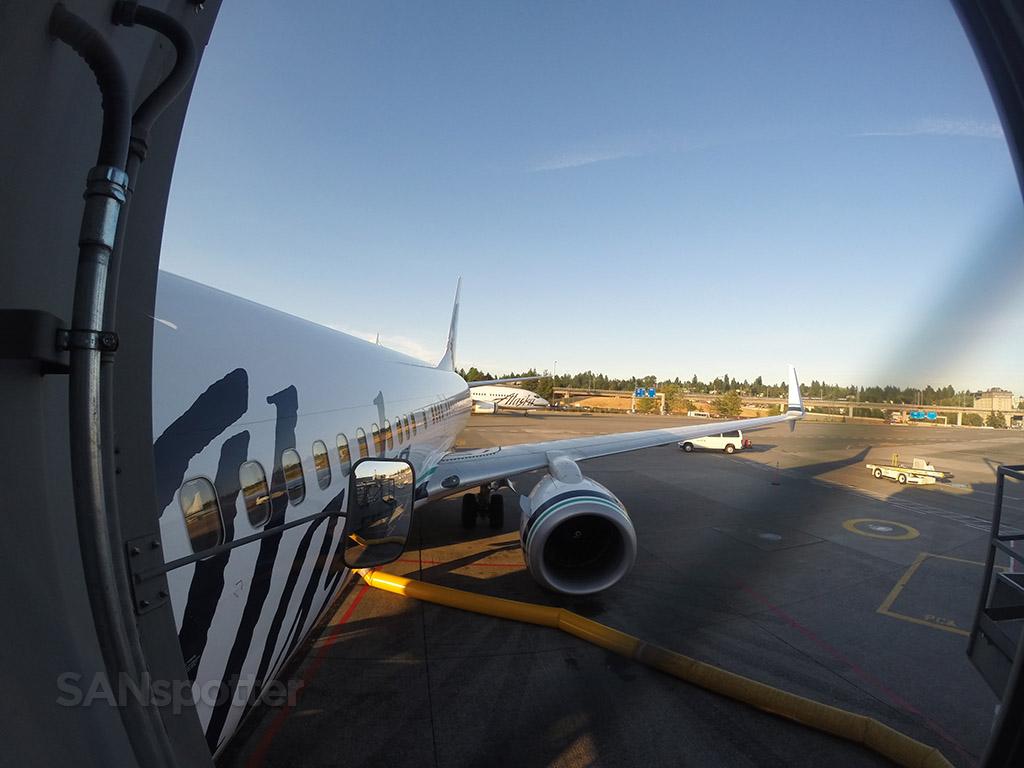 boarding alaska airlines