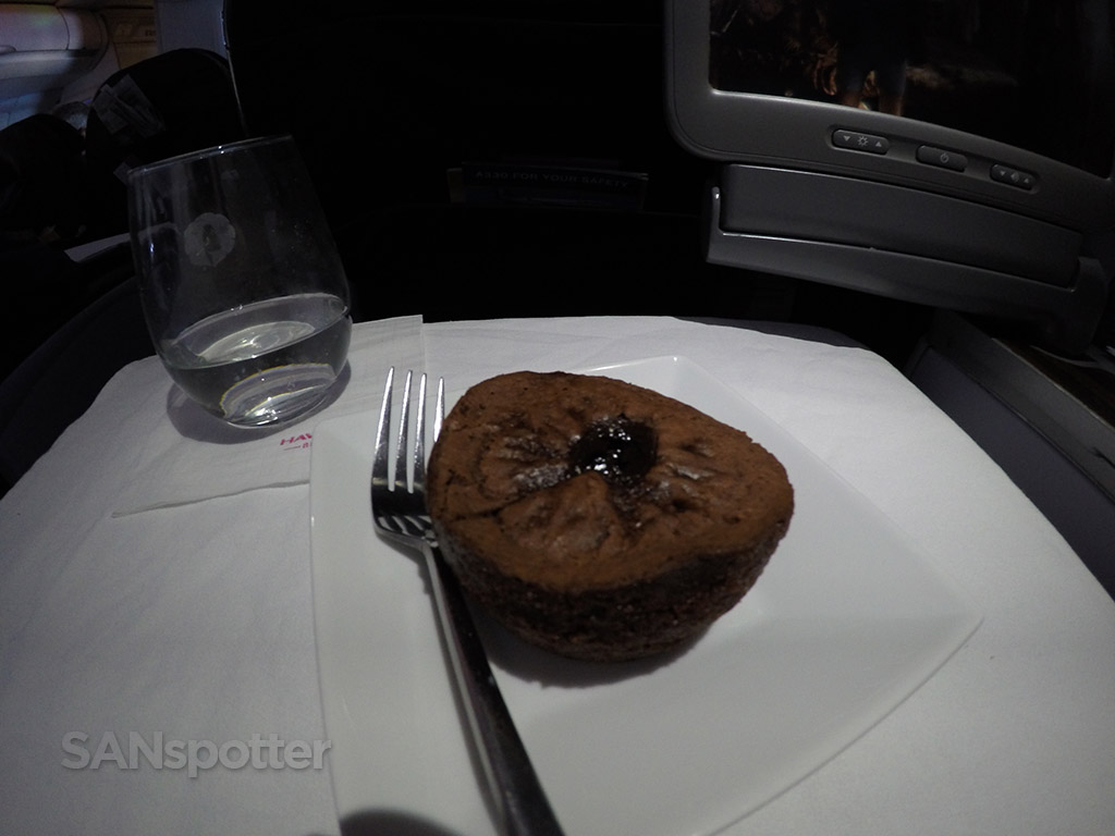hawaiian airlines first class dessert