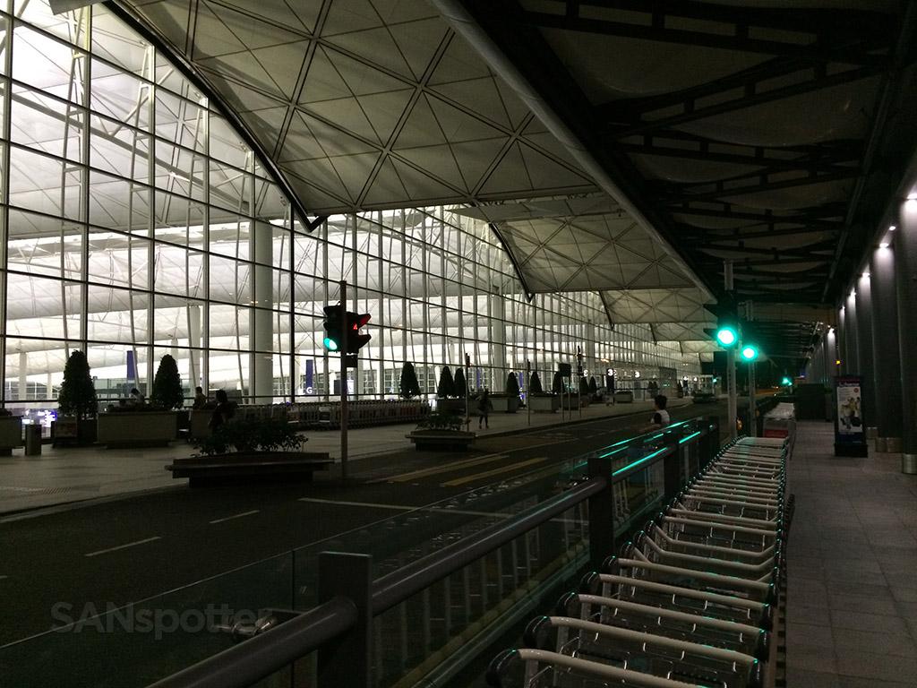 hong kong airport exterior