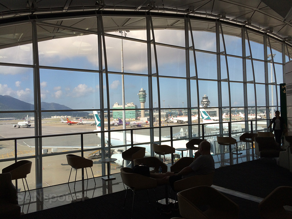 views from the united club hong kong airport