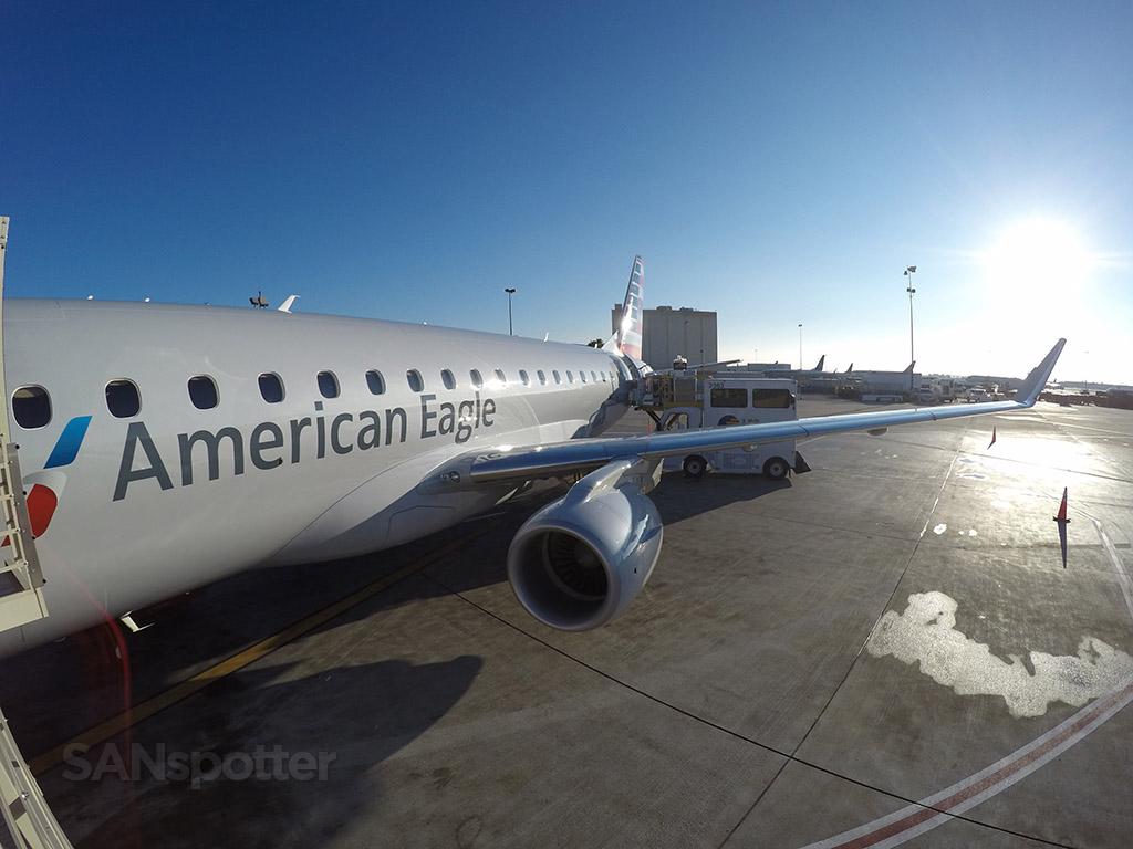 american eagle ERJ-175 LAX