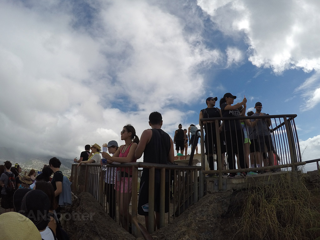 diamond head tourist crowds