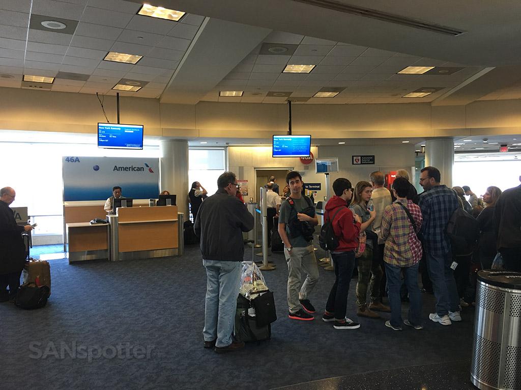 lax gate 46A terminal 4