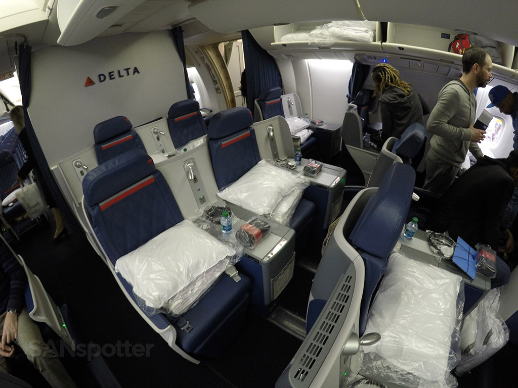 delta 767 business class seats