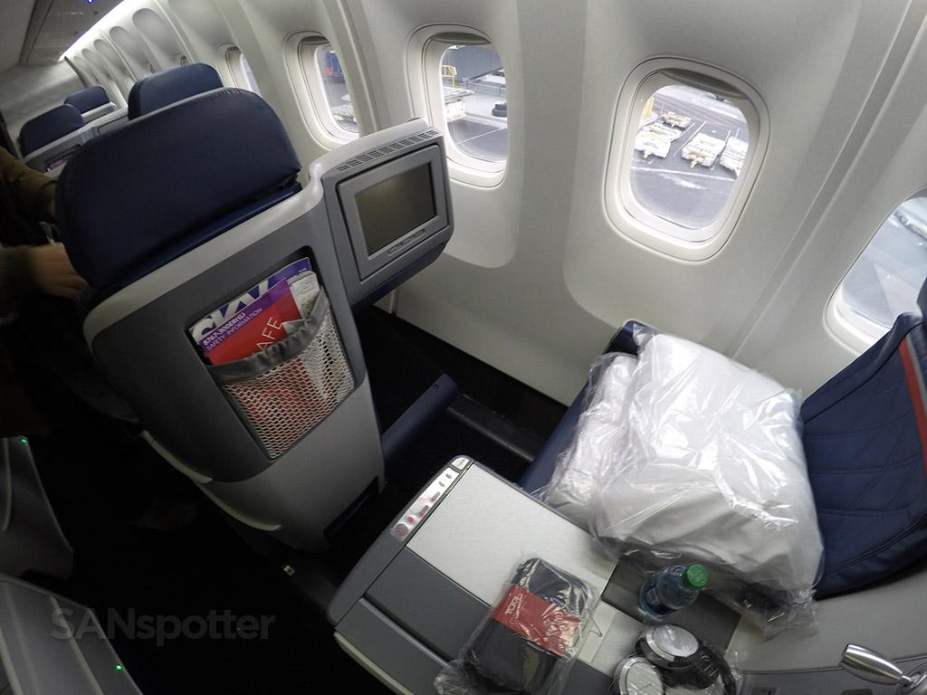 delta one business class window seat