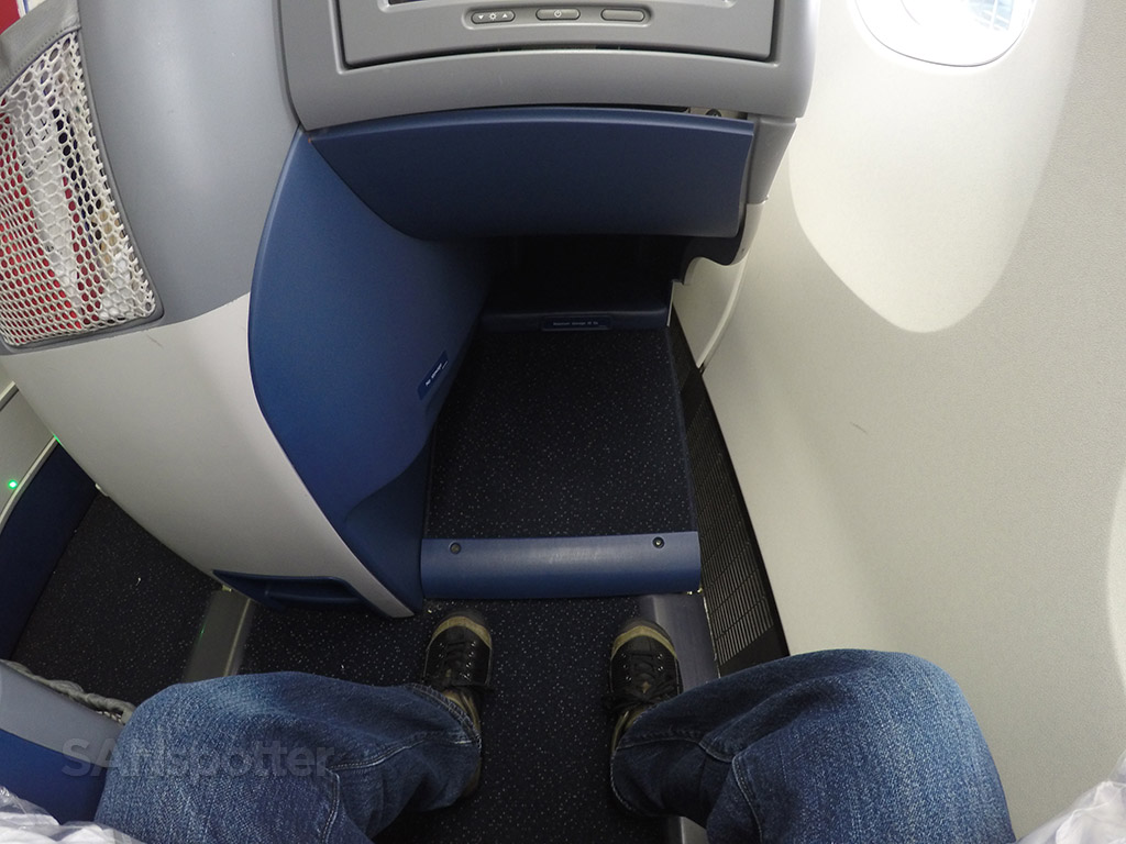 delta one business class leg room