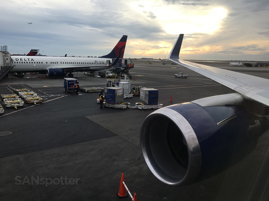 delta 767 at gate JFK