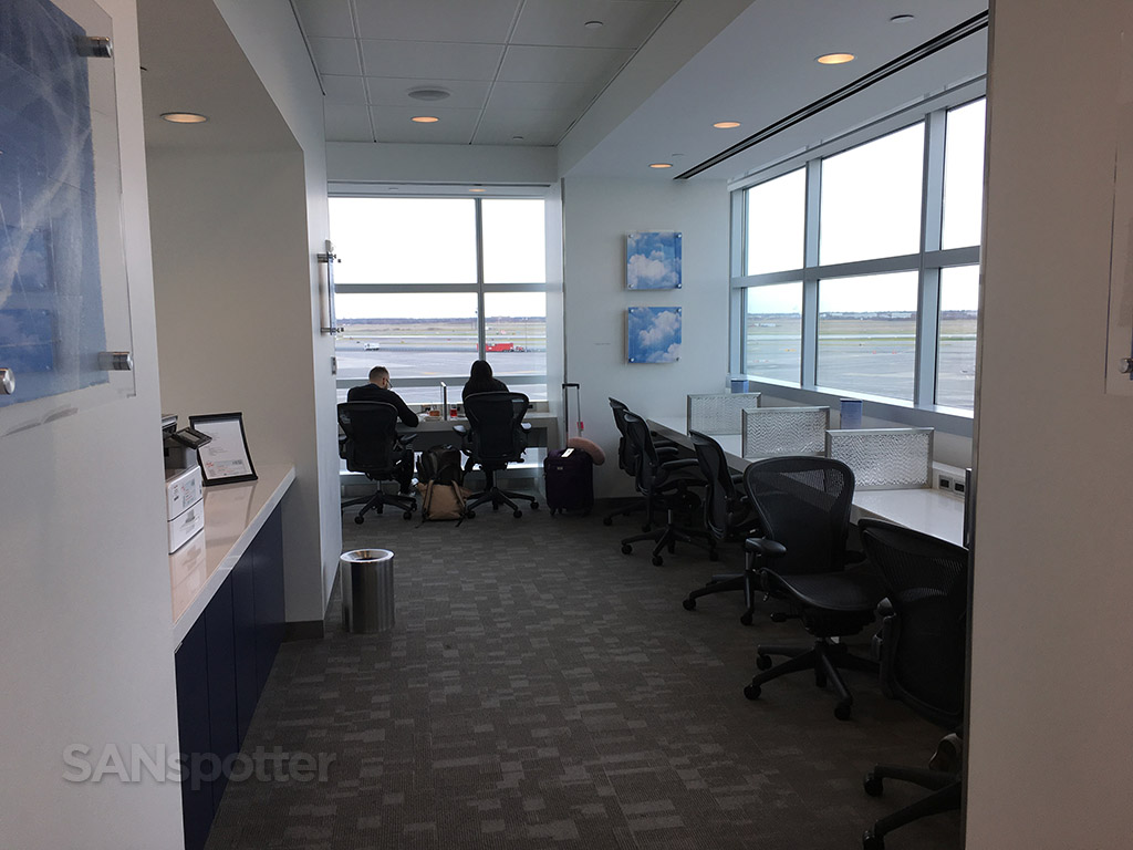 delta sky club business center