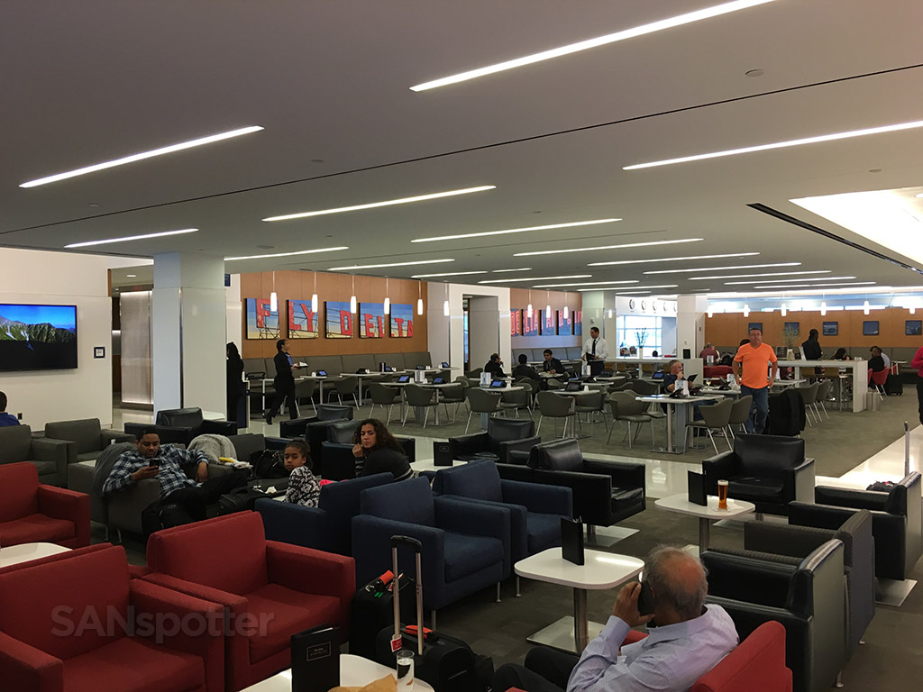 delta sky club dining area
