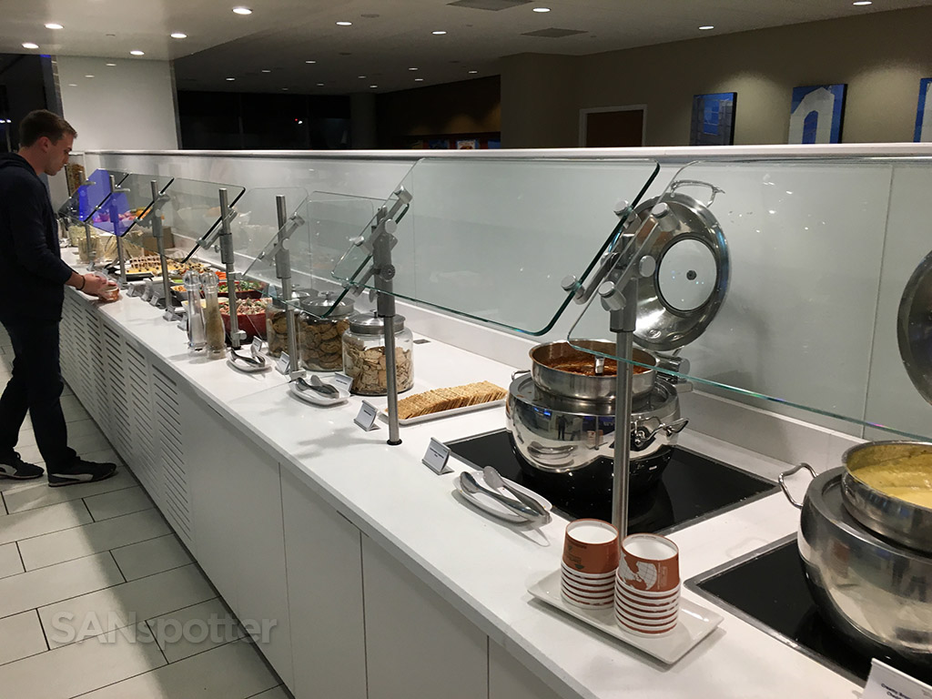 delta sky club food bar